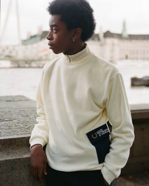 For the third time UK all time favorite Fred Perry teamed up with streetwear brand Thames.