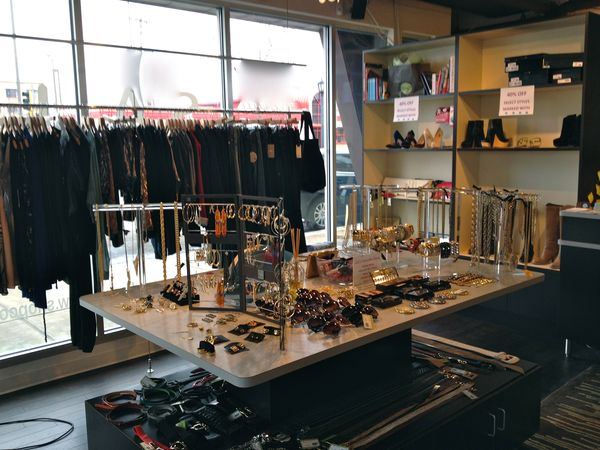 Covered, 1201 Lagoon Ave., Minneapolis, MN 55408, USA