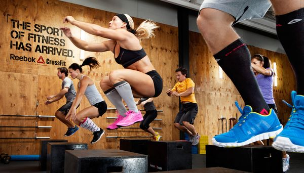 CrossFit contains several challenging group exercises