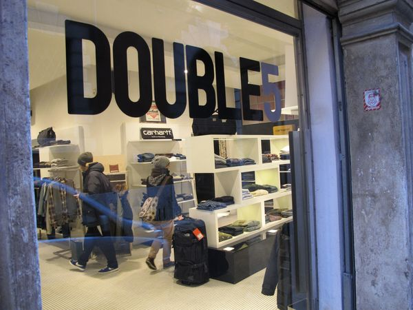 Double Five, Via Adua 16, 37121 Verona, Italy