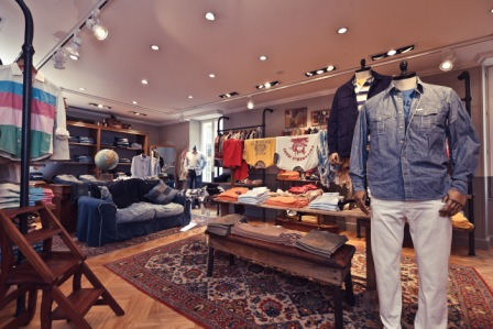 Façonnable Jeans store interior