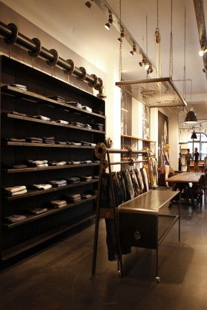 Freeman T. Porter opens new showroom in Berlin