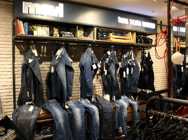 "Mavi ""Denim Kitchen"" at P&C"