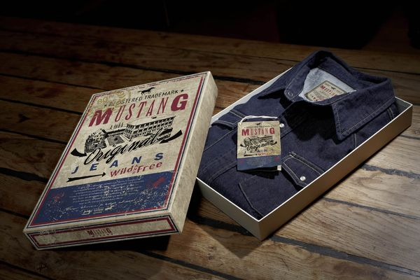 Mustang Anniversary Collection: Shirts, blouses and T-shirts are presented and sold in retro packaging