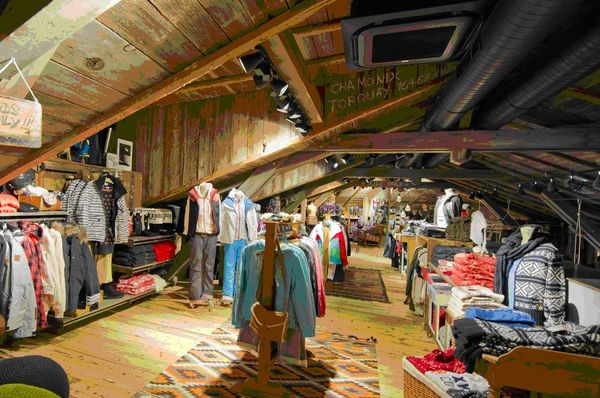 """The Attic"" - Quiksilver Boardriders Club Chamonix women's and youngster's area"