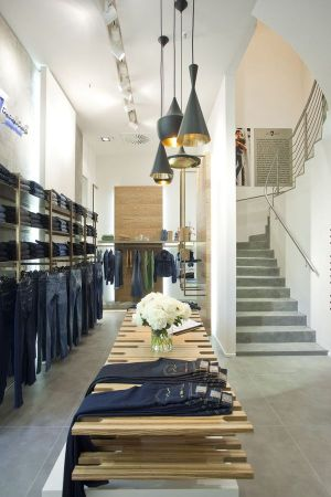 The new 7 for all Mankind store in Berlin