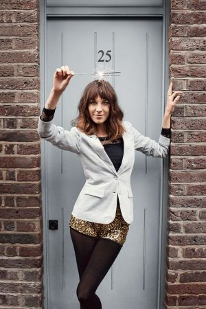 Vero Moda face Alexa Chung wearing the Jana Lurex Blazer