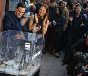Actor Sönke Möhring inaugurated the new store with a Champagne Crusher