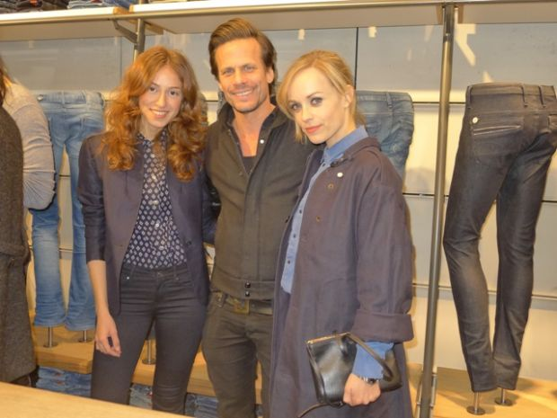 At the opening: Axel Schukies with Paulina Seropian (l.) and German actress Friederike Kempter (r.)