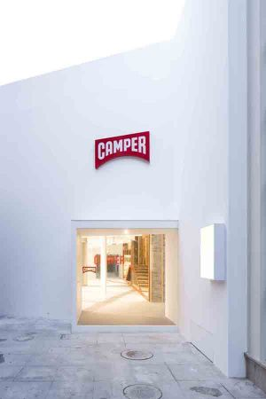 Clean outside design of the new Camper showroom