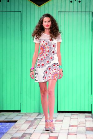 Color- and playful: a typical Desigual look