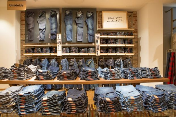 Denim wall in the Tauentzien store