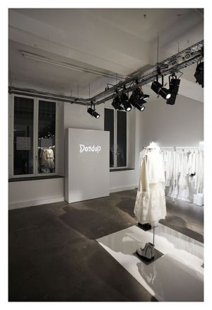Dondup pop-up store in Paris
