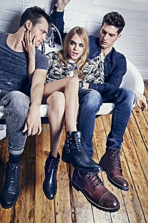 Image of the Pepe Jeans campaign starring Cara Delevingne