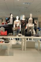 Madonna opens store in Nordhausen