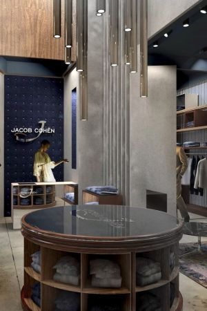 New Jacob Cohën store in Doha