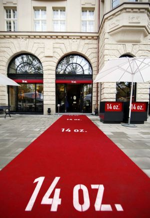 Red carpet in front of the new 14 oz. in historic Haus Cumberland