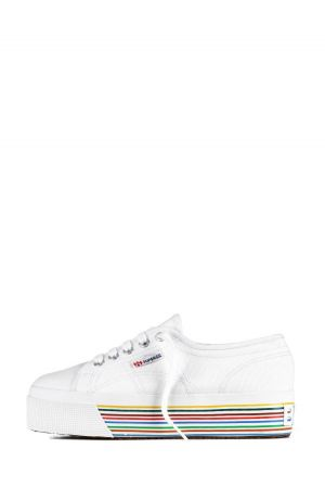Superga will be worn from the entire staff of Bread&Butter.