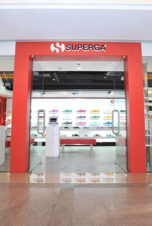 Superga opens store China