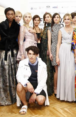 Tatiana Souchtcheva (r., Società Italia) with models