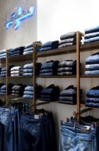 The new 7 for all Mankind store, realized by Schwitzke Project