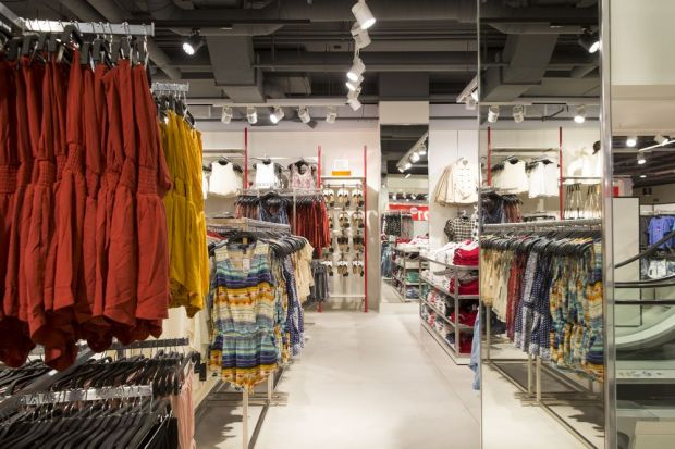 The Berlin-based F21 Red store is located at Postdamer Platz and measures 2,000 sqm