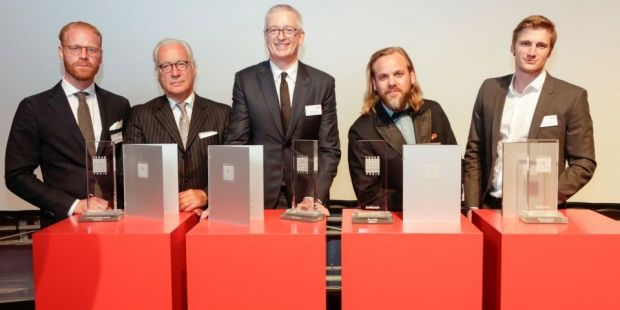 The winners (f. l.): Sebastian and father Wolfgang Klinder (MFS), Willy Oergel (Breuninger), Palle Stenberg (Nudie Jeans) and David Schneider (Zalando)