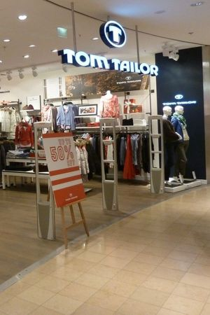 Tom Tailor retail space