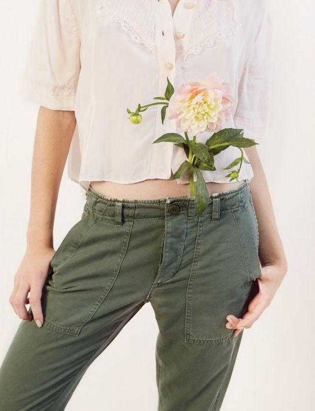 Amo's take on the military trend, pairing camo green pants with delicate embroidered shirts