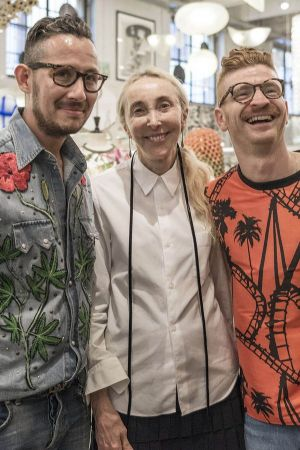 Carla Sozzani with the designer duo Leitmotiv