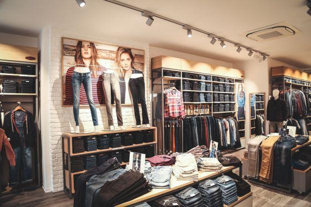 salvare 1ba55 cfce5 Retail: Cross Jeans opens store in Berlin's Charlottenburg ...