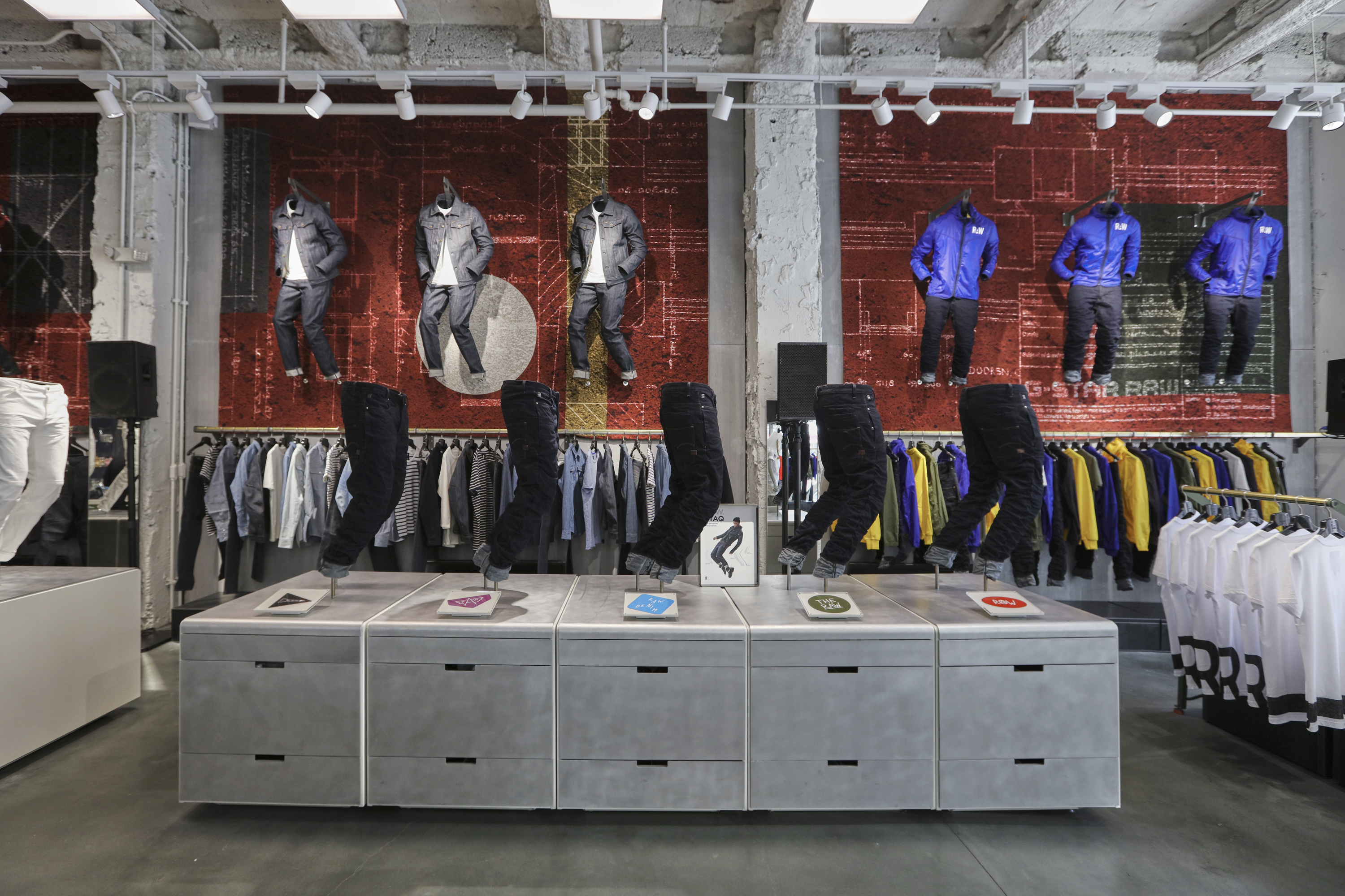 G-Star Raw store in Fifth Avenue