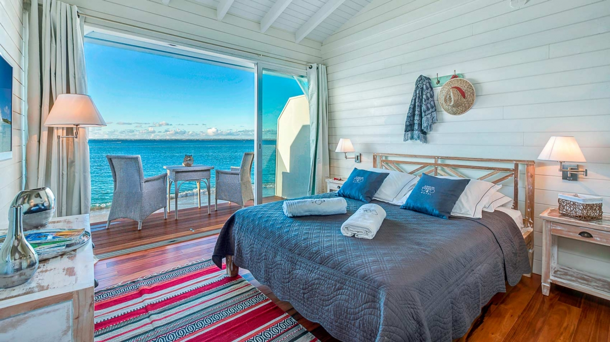 Double room at Le Temps des Cerises' hotel in Saint Martin.