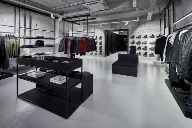 The store's avant-garde and clean design underlines the Tigha aesthetics