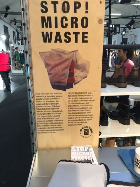 apparel sack that collects micro plastic by Langbrett