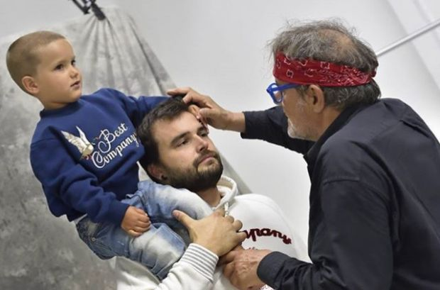 Oliviero Toscani backstage at Best Company shooting