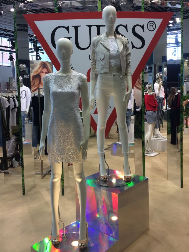 Guess brings the '90s spirit back