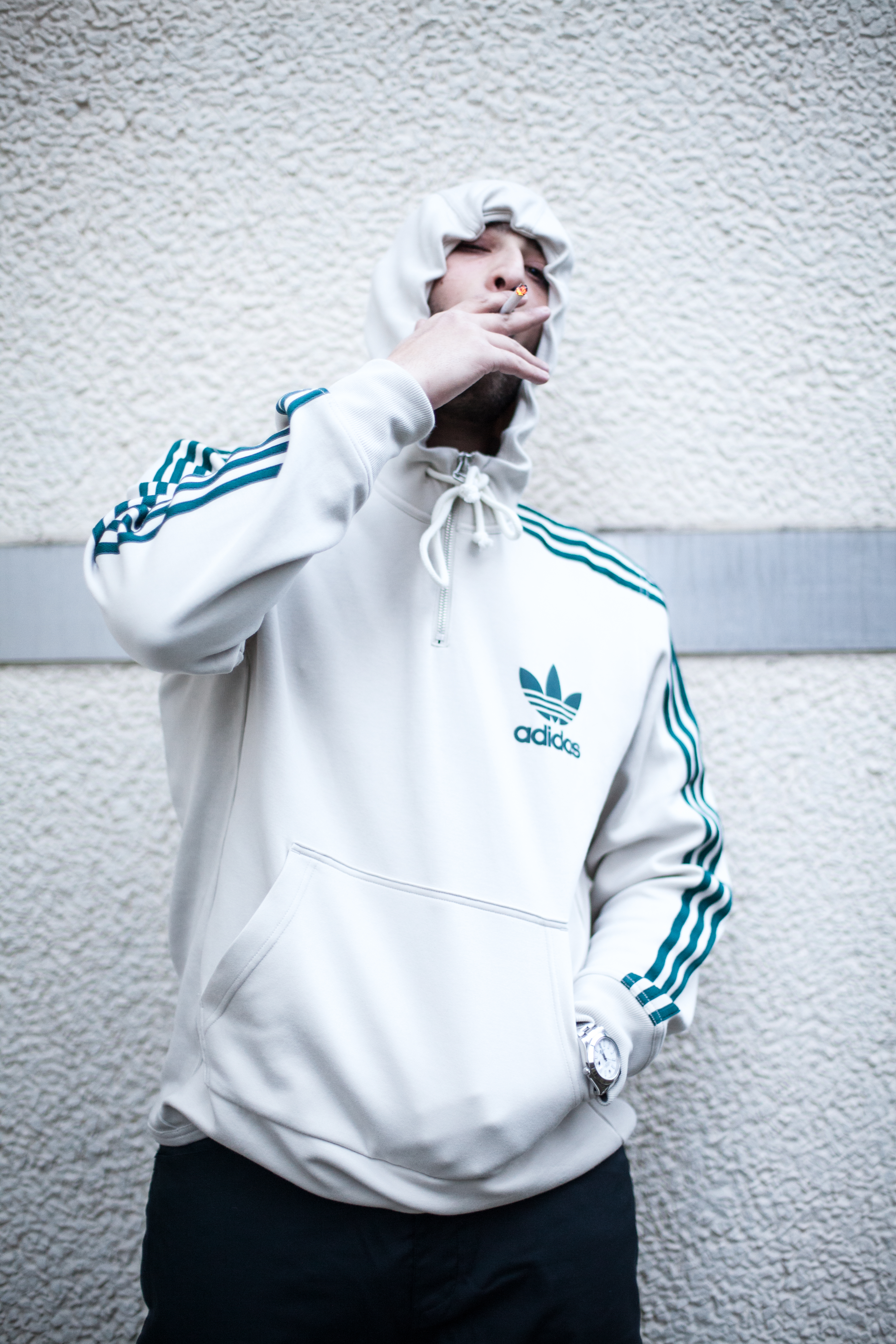 a874d3cc18fc50 Bucket hats   tracksuits  Stylecheck with German rapper Nimo