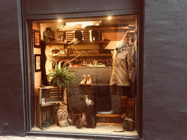 A shop-window at Atelier 23