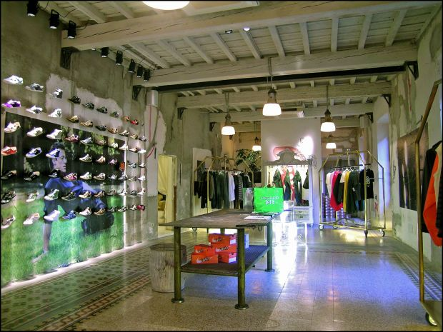 The store in Florence offers a wide assortment of womenswear and menswear