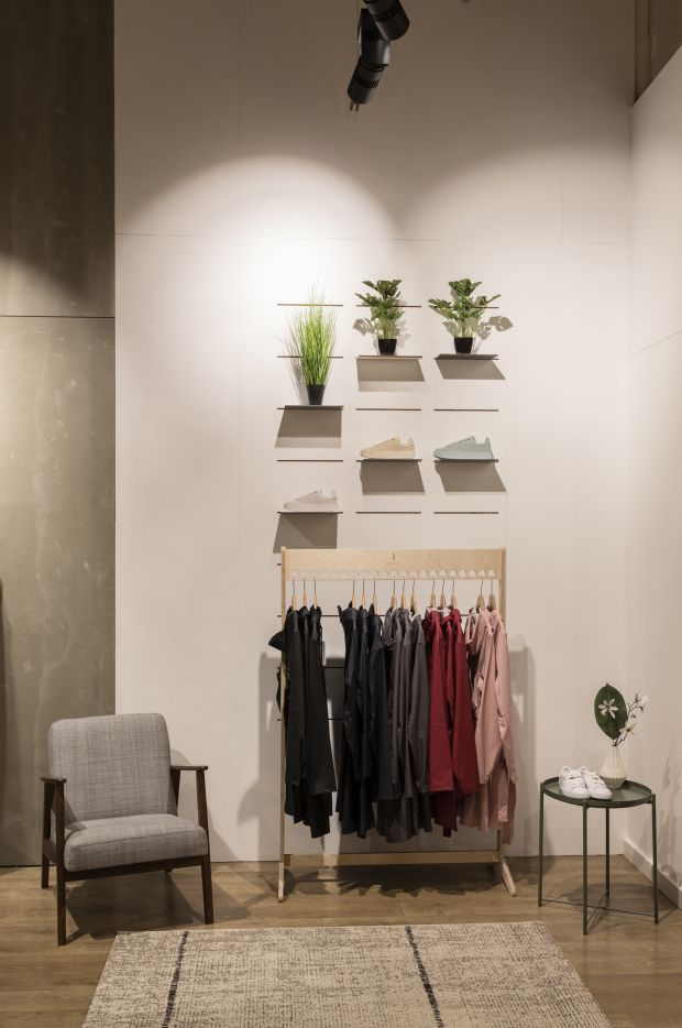 Changing rooms, Hixx Store