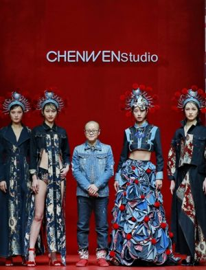 Designer Chen Wen with models