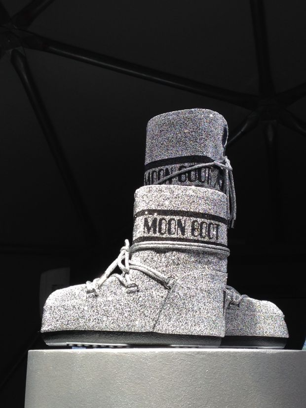 Moon Boot 50th anniversary boot edition