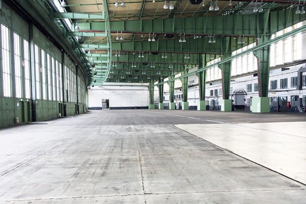 Next season Neonyt will take place at the spacious grounds of Hangar 4 at Tempelhof Airport.