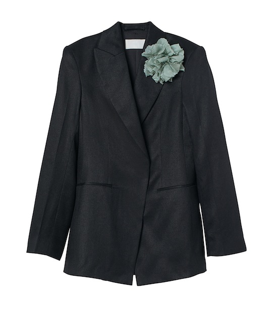 A blazer of H&M's Conscious Collection using Agraloop