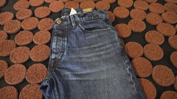 Jecorock disks and jeans treated with Jecostone system
