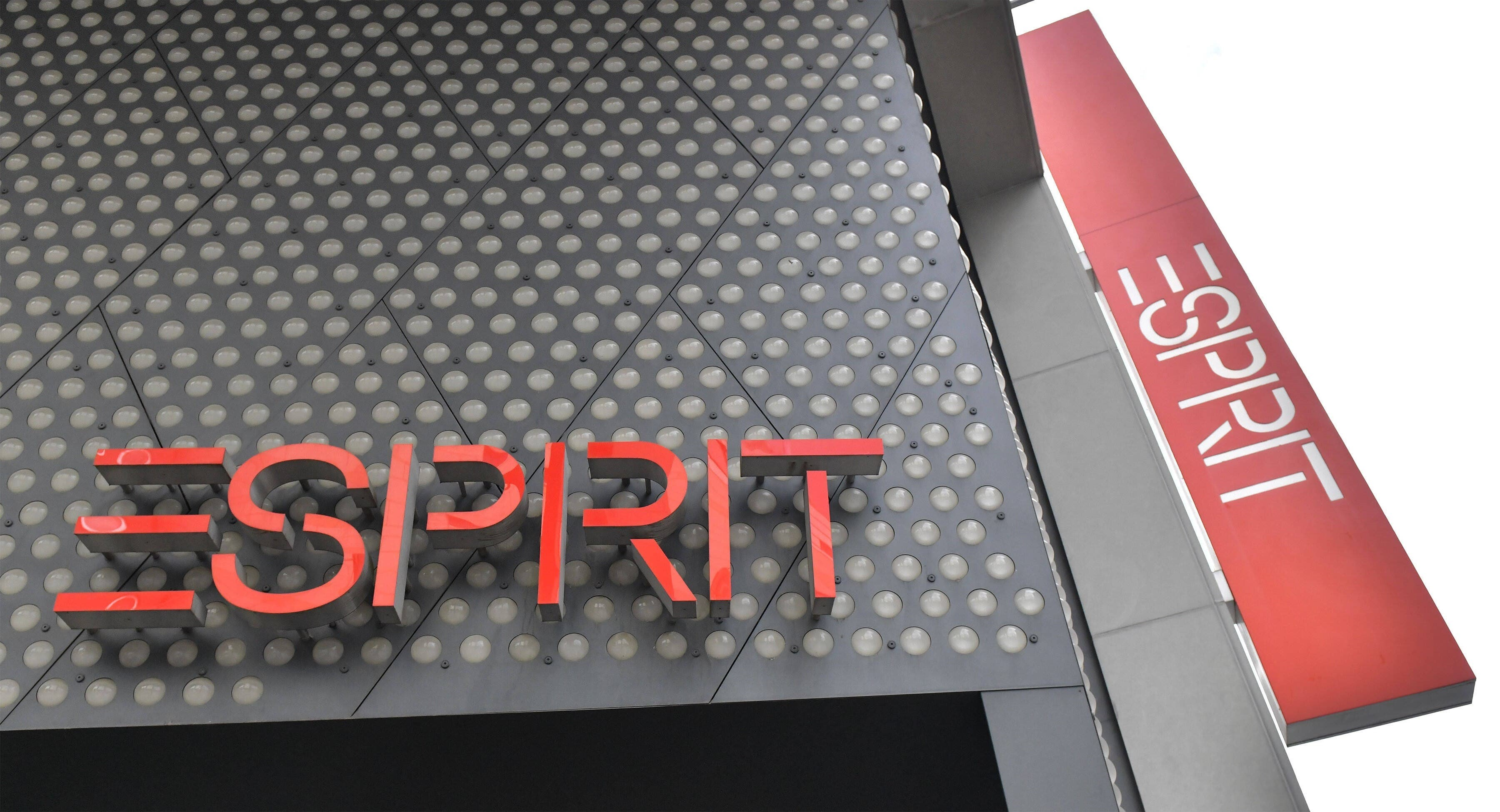 Esprit: 2300 jobs affected