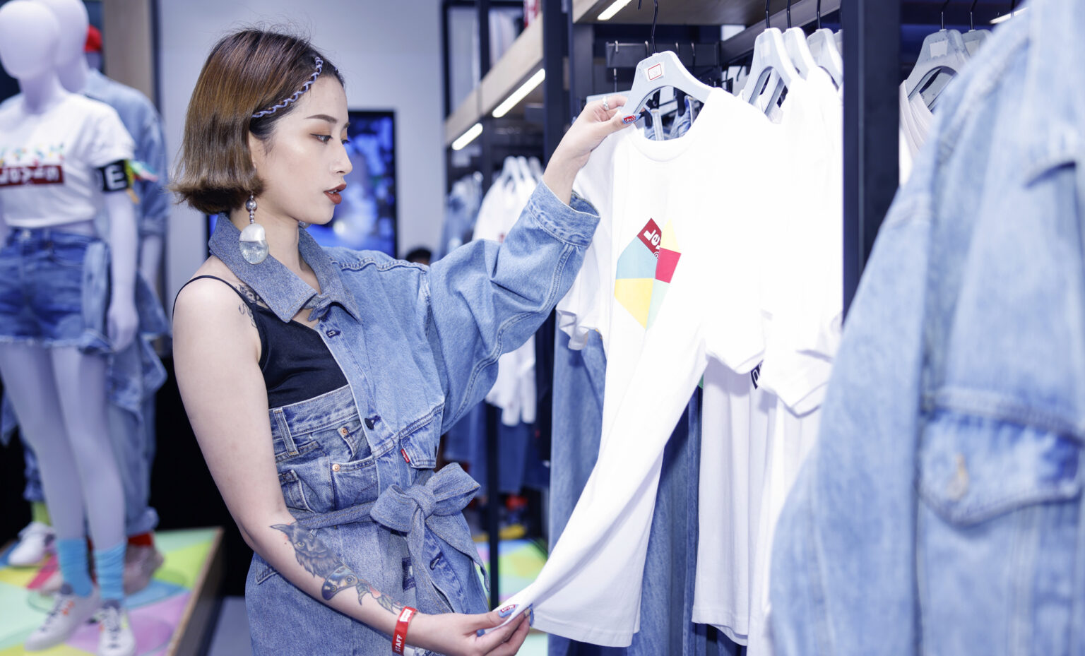 Find out about Levi's recent Shanghai store opening