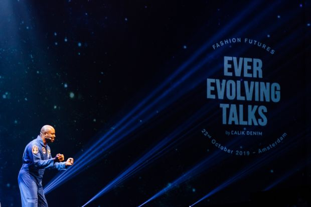 Former NFL player and NASA astronaut Leland Devon Melvin on stage at Calik's Ever Evolving Talks.