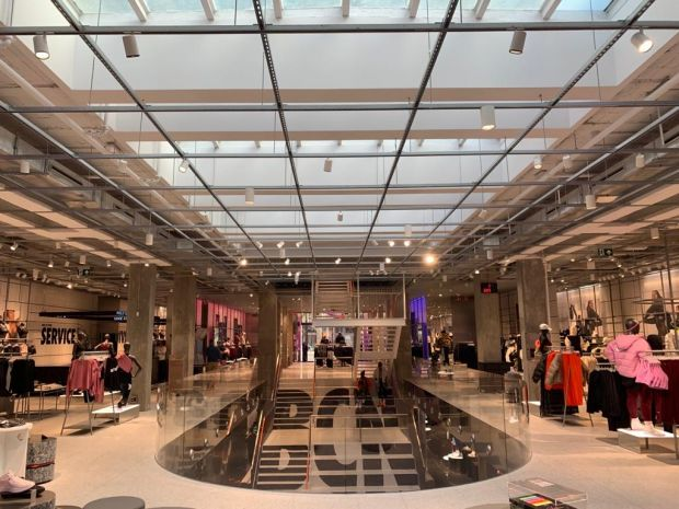 Demonio Favor Restringido  Retail: Nike opens eco-minded store in Barcelona